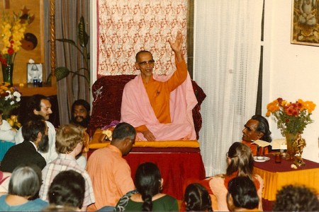 Guruji-Swami-Chitananda-Om-Kar-Panini