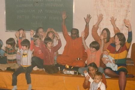 Guruji-celebration-with-kids