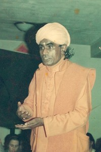 Guruji-orange-turbin