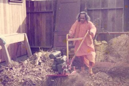 Guruji-rototills-YSSF-1st-veggie-garden
