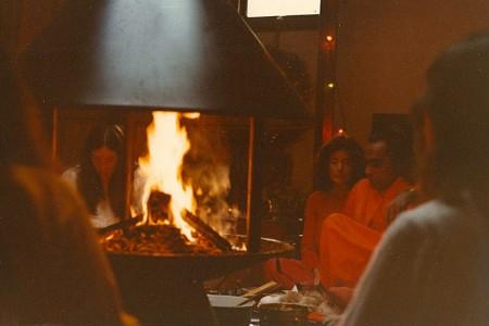 YSSF-Deva's-Fire-Ceremony-Guruji-82