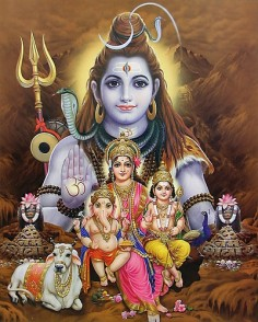 Lord Lord Shiva with his two sons, Shrī Kārtikeya and Shrī Gaṇesha and his wife Parvati